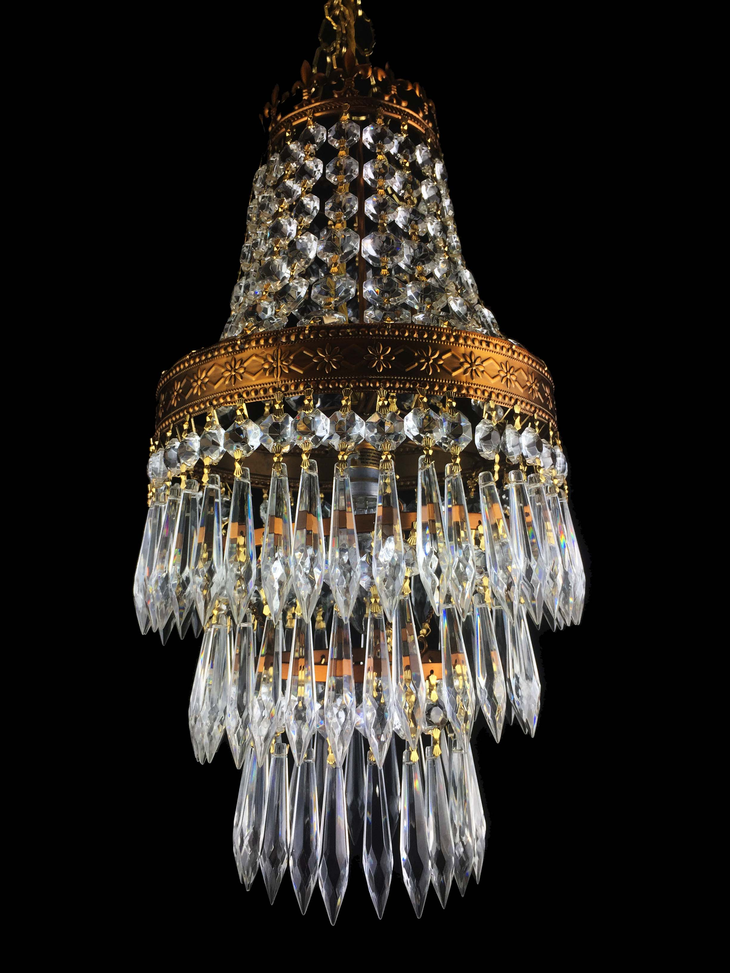 Sparkling French Vintage Style Waterfall Glass Crystal